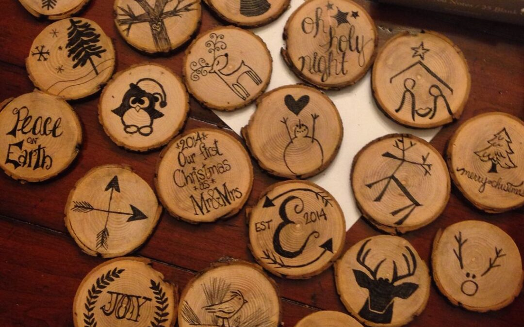 Design Ideas For Restaurants Using DIY Wooden Ornaments